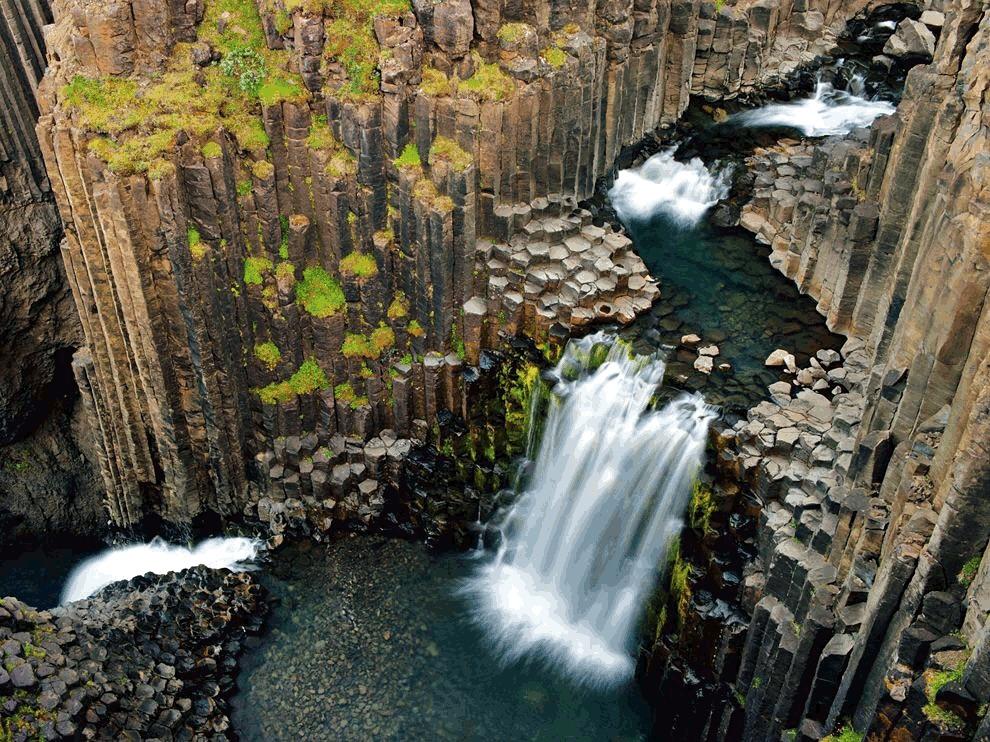 アイスランドの六角柱